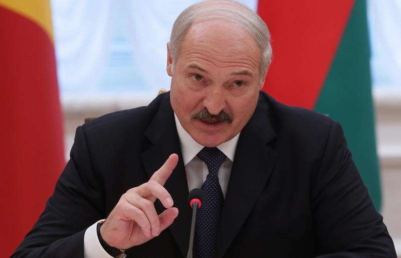 Лукашенко призвал белорусов говорить на родном русском языке