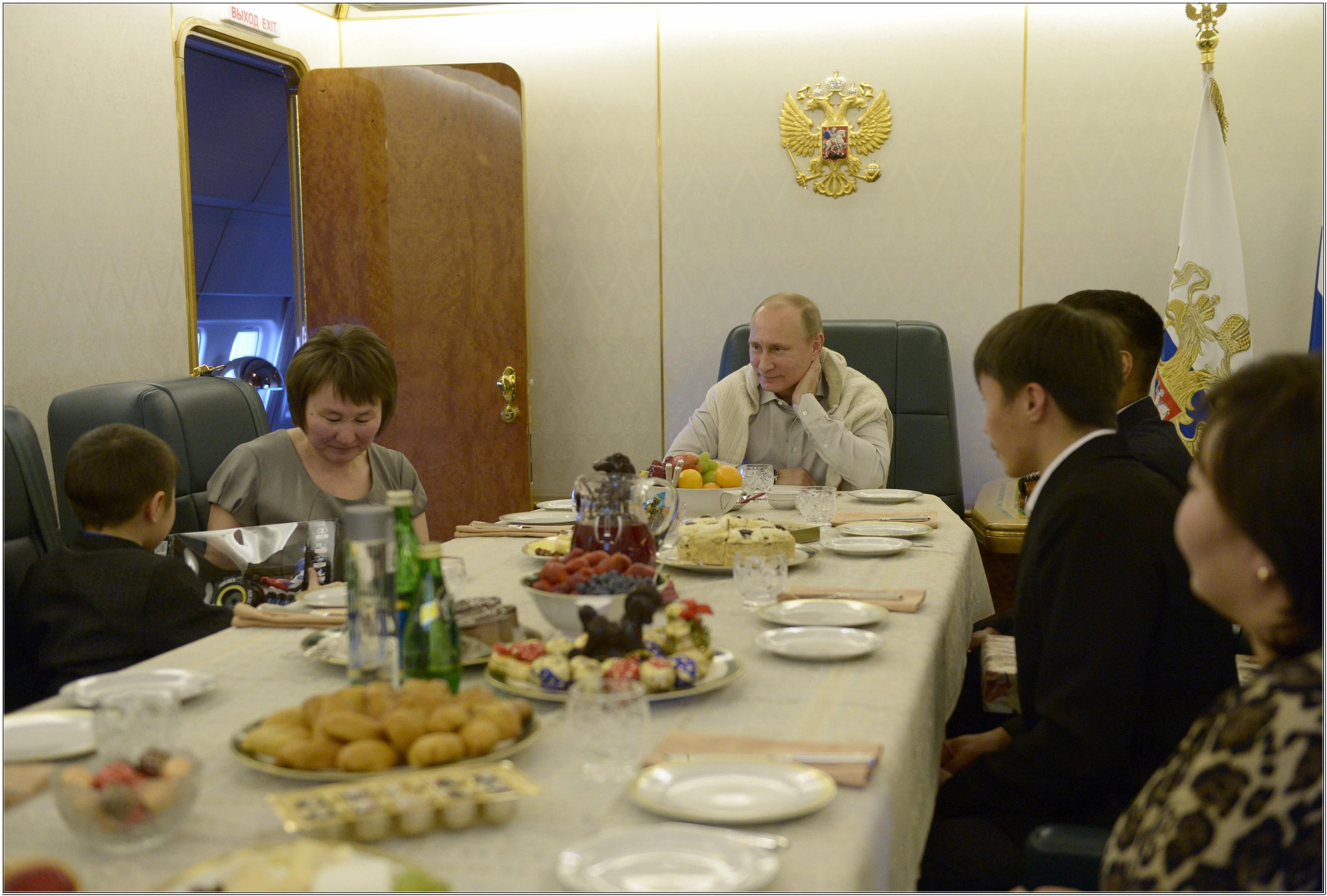 Летающие дворцы Путина и других глав государств