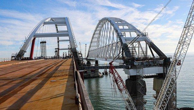 Крымский мост для легковых машин и автобусов откроют уже в мае