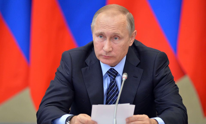 Путин уволил 11 генералов силовых ведомств
