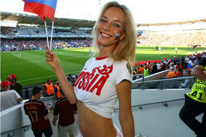 Тяжелые будни «самой красивой» болельщицы России и ее личная жизнь