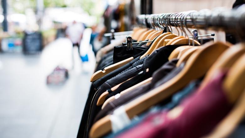 Будем ходить голыми: россиян пугают ростом цен на одежду и обувь
