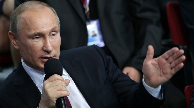Люди сами решат, где правда: Путин выступил против административных запретов в интернете