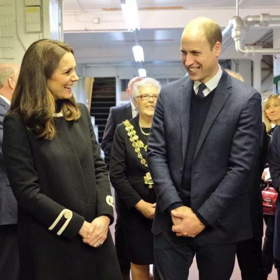 Малышка попросила принца Уильяма исполнить ее странное желание. Такой реакции от будущего короля не ждал никто…