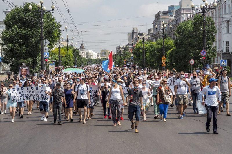 Десятки тысяч граждан на улицах Хабаровска заставили телевизор замолчать